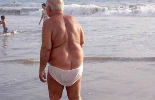 guys-in-embarrassing-speedos-1337466346-aug-2-2012-1-600x449.jpg
